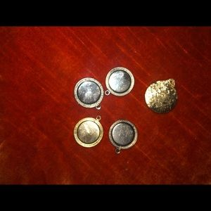 5 vintage Silvertone and goldtone pendants lockets